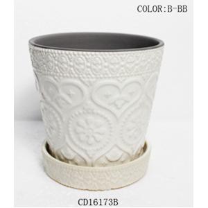 Maceta de ceramica con plato diseño grabado en color blanco de 13x13x12cm