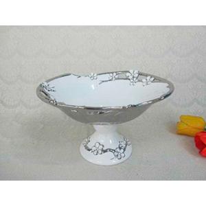 Bowl de porcelana con pedestal blanco y filo con flores plata de 29cm