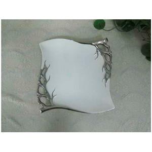 Plato de porcelana blanca con ramas plata de 33cm