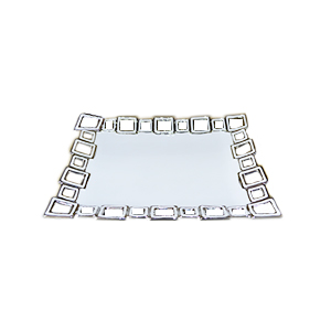 Plato rectangular de porcelana blanco con orilla diseño cadenas cromadas de 36cm