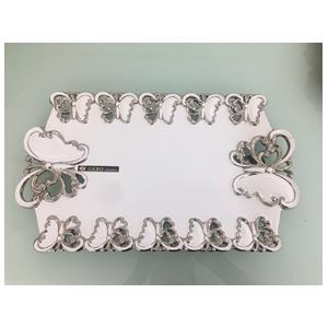 Plato rectangular de porcelana blanca con orilla diseño Mariposas cromadas de 46cm