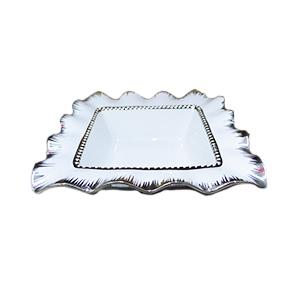Boowl cuadrado c/tapa de porcelana blanca con orilla ondulada y filo plateado de 34cm