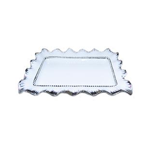 Platón cuadrado de porcelana blanca con orilla ondulada y filo plateado de 46cm