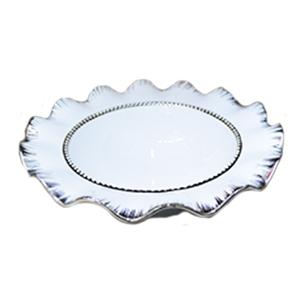Platón redondo hondo de porcelana blanca con orilla ondulada y filo plateado de 33cm
