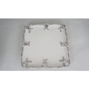 Plato cuadrado de cerámica blanca con nudos plata en la orilla de 36x36x3cm