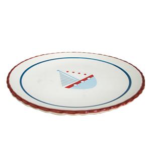 Plato blanco con lineas rojas y diseño de barco de 20x20x2cm