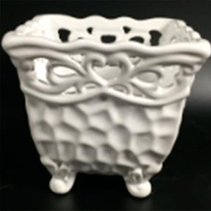 Maceta cuadrada de porcelana blanca con grabado de 13x13x12cm