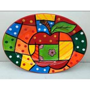 Plato oval con diseño de manzana y cuadros a colores de 45cm