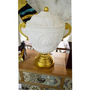 Vasija diseño romana en blanca con dorado de 43x30x53cm