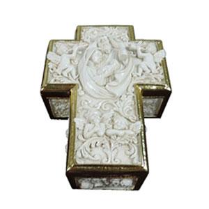 Caja blanca en forma de cruz con diseño de misterio y anteles de 18x13.5x6.5