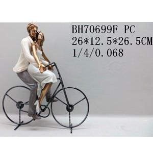 Decoración de Hombre y mujer en bicicleta de 26x12x26.5cm