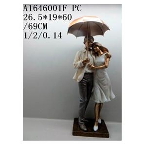 Decoración de pareja abrazándose con sombrilla de 26x19x60cm