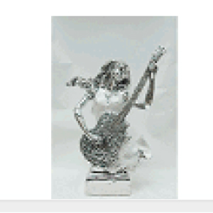 Mujer tocando la guitarra de resina de 28x14x34cm