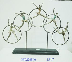 Decoración de 5 Bailarinas en círculos de 77x13x57cm