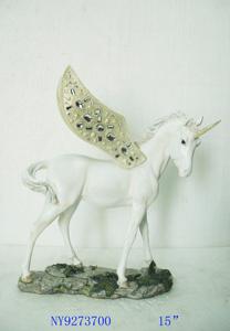 Unicornio blanco con dorado de 32x15x39cm