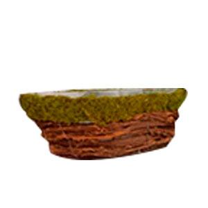 Maceta diseño lancha forrada de varas con musgo verde de 28x13x10cm