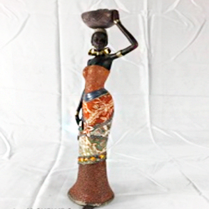 Figura de Mujer Africana con vestido café de 13x9x42.5cm