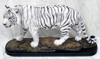 Escultura de tigre blanco de poliresina
