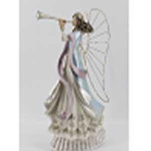 Angel con trompeta y luz led (usa baterias AA) de 28x15x47cm