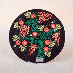 Plato de presentación de metal negro con estampado de flores de 33x33x1.8cm