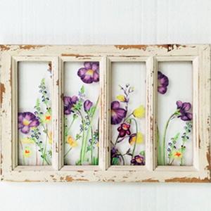 Cuadro de cristal con marco de madera y fotos de flores moradas de 49x33x2cm