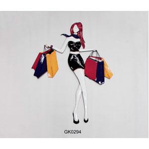 Figura de metal para pared diseño mujer con bolsas de 62x82x2cm