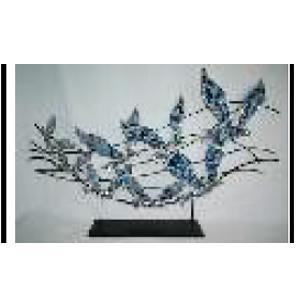 Gaviotas azules con incrustaciones de espejos con base de metal de 83x10x51cm