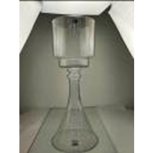 Candelabro de vidrio  con base diseño campana de 70x28m