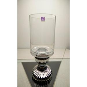 Florero diseño copa con base plateada de 18x17x35.5cm