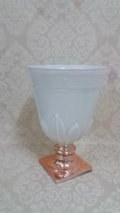 Candelabro de cristal diseño copa blanco con base dorada de 26cm