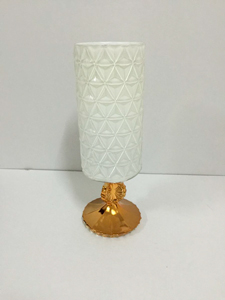 Candelabro de cristal cilíndrico diseño rombos con base dorada de 39cm