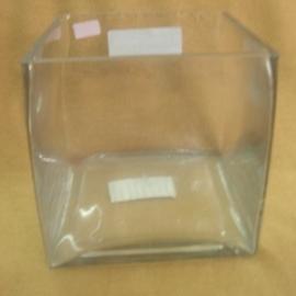 Florero de vidrio cuadrado de 15X15 CM