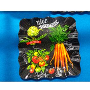 Plato cuadrado de cristal negro con estampado de legumbres de 25x25x2.2cm