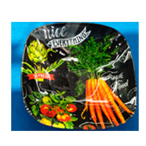Plato cuadrado de cristal negro con estampado de legumbres de 19x19x4cm