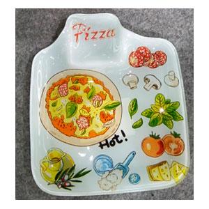 Plato de cristal blanco con estampado de alimentado y espacio para salsa de 16.9x19.2x1.9cm