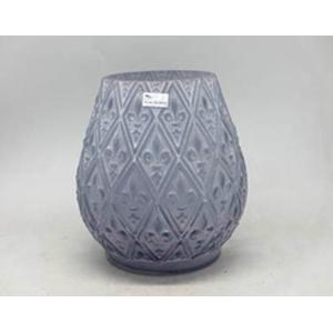 Florero de cristal morado  con diseño rombos con Flores Deliz de 22.5x22.5x23cm