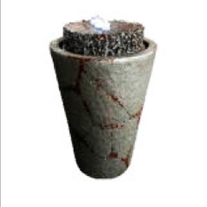 Fuente diseño Maceta con granito de 39x39x56cm