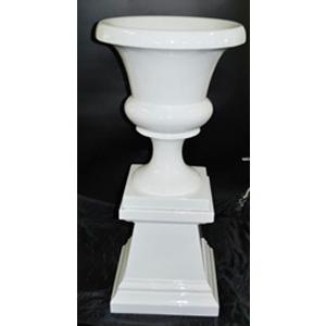 Florero de resina diseño copa en base blanca de 37x37x92cm