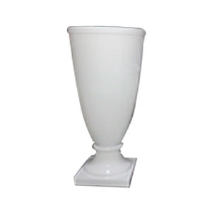 Florero de resina diseño copa en base blanca de 40x40x90cm