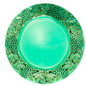 Plato de presentacion verde menta con uvas de 35x35x2cm