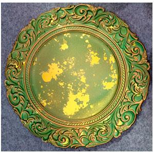 Plato de presentación terminado rustico verde con guias en la orilla de 35x35x2cm