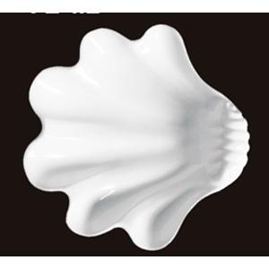 Plato de melamina diseño concha blanca de 23x22x6cm