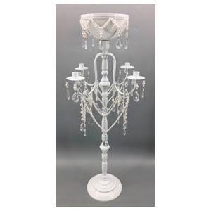 Candelabro de metal y florero blanco con bits de 41x41x96cm