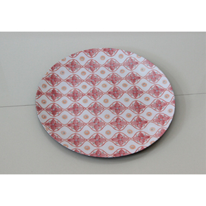 Plato presentación diseño rombos blancos y rojos de 33x33x2cm