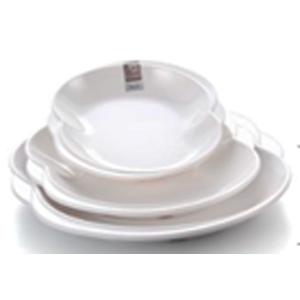 Plato de melamina blanco en forma de 8 de 30x28x3cm