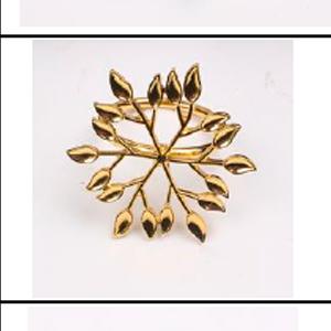 Juego de 4 servilleteros dorados diseño hojas