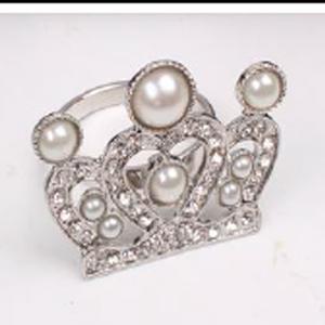 Juego de 4 servilleteros plateados diseño corona de reina
