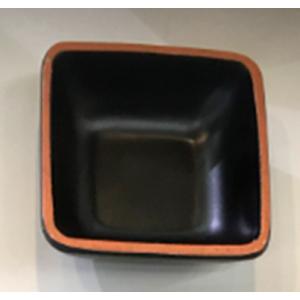 Tazon de melamina cuadrado negro con café de7x7x3cm