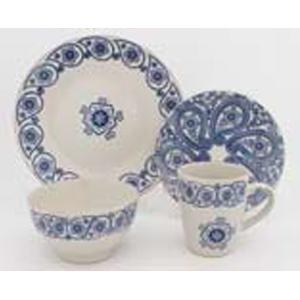 Vajilla de porcelana blanca con diseño flores azules p/4 personas