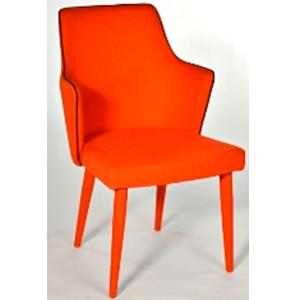 Silla con descansabrazos forrada de tela naranja de 49x46x89cm